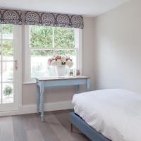 Four-Bedroom Apartment - Bramerton Street IV
