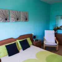 Hotel Pictures: Apartments Bon Pas Rural, Claravalls