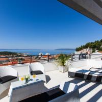 Four-Bedroom Villa with Terrace and Sea View