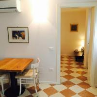 One-Bedroom Apartment - Calle Massa 6661/M