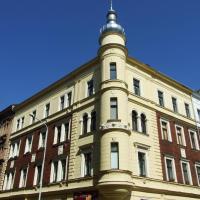 Three-Bedroom Apartment - Rehorova street 15