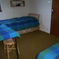 Hotel Pictures: Rental Apartment Chanteloube - Puy-Saint-VIncent, Le Poët