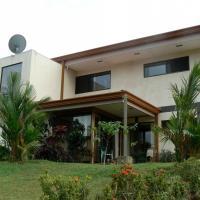 Hotel Pictures: Grampa Ninja House, San Miguel