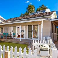 Hotel Pictures: Sandy Corner - Cottage by the Sea, Avoca Beach