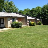 Hotel Pictures: Village Vacances Yaloer, Villefranche-de-Panat