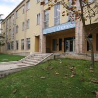 Hotel Pictures: Albergue Oncineda, Estella