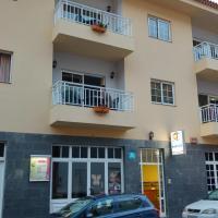 Hotel Pictures: Apartamentos Martell, Playa de Santiago