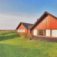 Hotel Pictures: Skælskør Holiday Home 710, Omø By