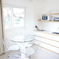 One Bedroom Apartment (R1)