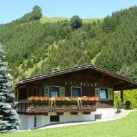 Hotel Pictures: Chalet Tannheimer Tal, Zöblen