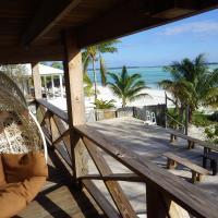 Hotel Pictures: Beach House Casuarina, Cherokee Sound