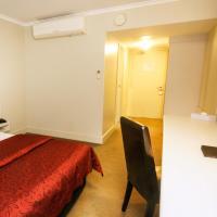 Isa Deluxe Room