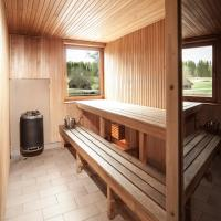 Three-Bedroom Holiday Home with Sauna #1 (6 Adults)