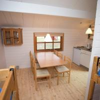 Two-Bedroom Cottage with Shared Bathroom (6 Adults)