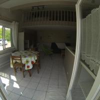 Hotel Pictures: Gite des Ouchettes, Courçon