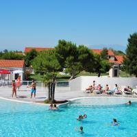 Hotel Pictures: Grand Bleu Vacances – Résidence Le Mas de Torreilles, Torreilles