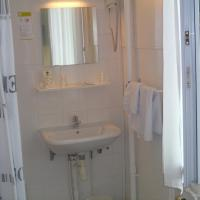 Standard Twin Room with Shared Toilet
