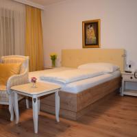 Hotel Pictures: Hotel zum Goldenen Schiff, Enns