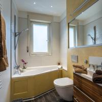 Suite with Private External Bathroom
