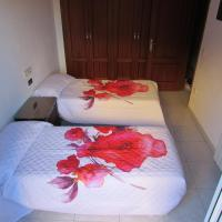 Hotel Pictures: Apartment Palau, Palau-Saverdera
