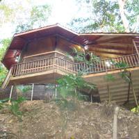 Hotel Pictures: Waterfall Villa & Jungle Retreat, Barú
