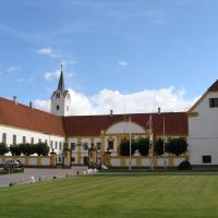 Hotel Pictures: Dronninglund Slot, Dronninglund