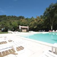 Hotel Pictures: Domaine de l'Eau Vive, Largentière