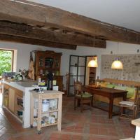 Hotel Pictures: La Chouette Blanche, Saint-Bonnet-de-Valclérieux