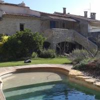 Hotel Pictures: Gite du Castellas, La Roque-d'Anthéron
