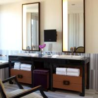 Superior One-Bedroom Family Suite