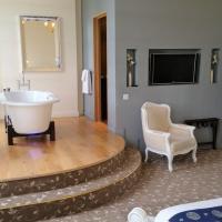 One-Bedroom Suite with Garden View