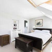 Four-Bedroom Apartment - Longbeach Road