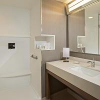 Hotel Pictures: Courtyard by Marriott Montreal West Island/Baie D'Urfe, Notre-Dame-de-lÎle-Perrot