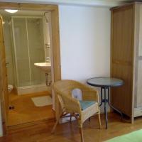 Hotel Pictures: Pension 's Waldeck, Traunkirchen