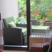 Hotel Pictures: FeWo im Studio Wintergarten, Kallstadt