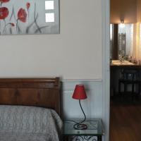 Hotel Pictures: La Terrasse de la Grand'Rue 6 - chambre d'hôtes -, Mugron