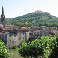 Hotel Pictures: Au Troubadour, Saint-Antonin