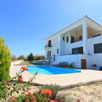 Hotel Pictures: Phaedra & Orestis Villas, Kato Akourdalia