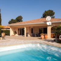 Hotel Pictures: Lovely villa with a Pool, Gujan-Mestras