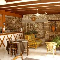 Hotel Pictures: Chambres d'hôtes Le Petit Angle, Saint-Broladre