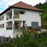 Hotel Pictures: Casa Rural Mantxoalorra, Ochagavía