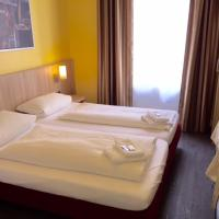 Double Room with shared shower/WC