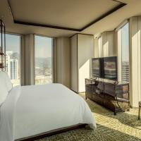 Executive King Suite with Palace View