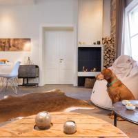Retro Luxe Apartment