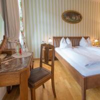 Hotel Pictures: Schwarzwaldgasthof Zum Goldenen Adler, Oberried