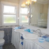 Hotel Pictures: Villa Charlotte, Binissafuller