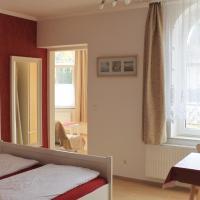 Hotel Pictures: Villa Mignon - Apartment Rot, Ostseebad Koserow