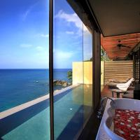 Deluxe Private Pool Suite
