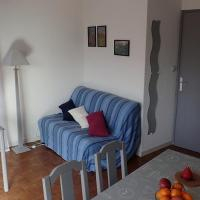 Hotel Pictures: Location Appartement 4/6 places Embrun, Embrun