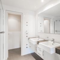 Two-Bedroom Premier Apartment with Ocean View - Ocean 1